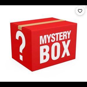 MYSTERY BOX SIZE 1